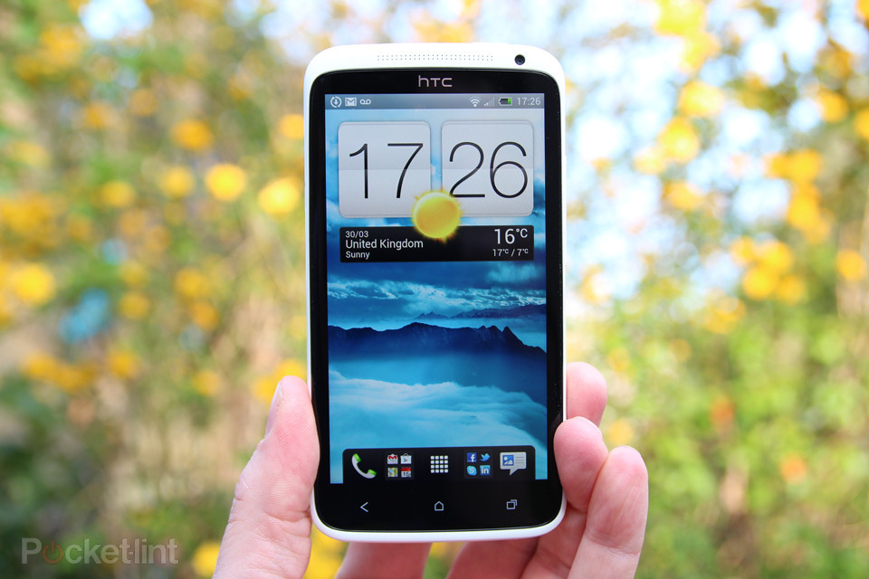 htc one x review phone 0 تحديث يصلح مشكلة البطارية لهاتف HTC One X